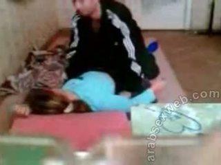 Arab par knulling på den gulv privat sex video