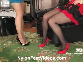 Ninon dhe agatha e ndyrë çorape të gjata këmbë film veprim