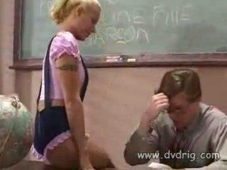 교실, 처벌, 여학생