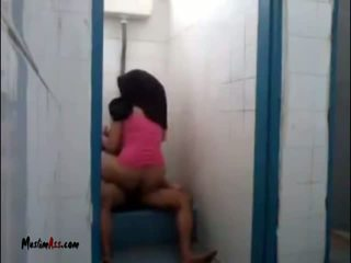 Hijab jilbab seks v stranišče