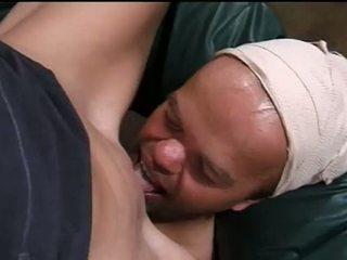 Τυχερός νάνος gets να γαμώ Καυτά ξανθός/ιά
