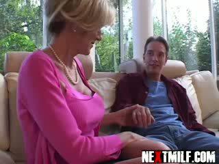 puma, ženy v domácnosti, hot mom