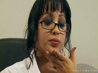 कट्टर सेक्स, बड़ी डिक्स, चश्मा