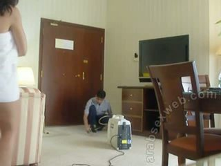 Arab casal teasing staff-asw1054