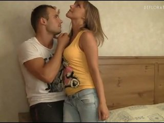 hottest cute, nice amorous mov, best charmer scene