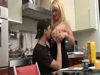 อิตาเลียน แม่ และ บุตรชาย วีดีโอ
