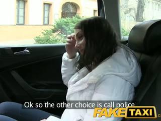 Faketaxi جذاب الروسية سائح مع ل لطيف ضيق كس