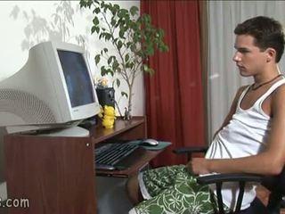 B-y vērojošas gejs video un stroking no