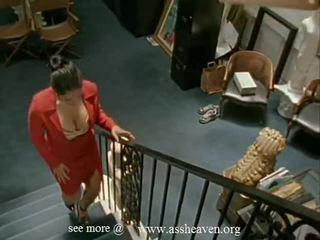 Nina mercedez sekretarka