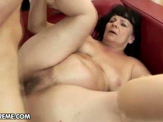 brunetta, sesso hardcore, pompini