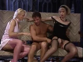 grupu sekss, trijatā, vīnogu raža