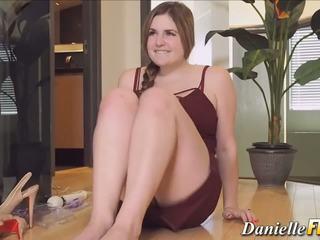 Masturbovanie prsnaté cutie, zadarmo danielle ftv hd porno 0e