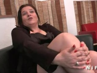 Товстушка французька зріла gets її дупа hammered