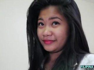 Pechugona filipina adolescente y un grande blanca polla