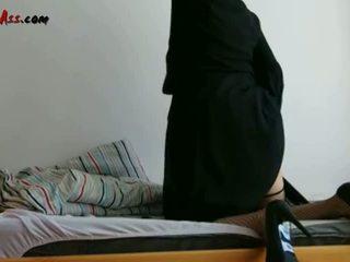 Niqab dubur solo pada sofa