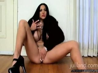 Sexually Excited Audrey Bitoni Can Not Stop Playing With Her Oozing Wet Snatch