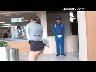 日本 辦公室 女孩 裙子 是 方法 太 短