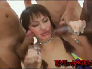 Kid jamaica - anita hengher brutally double anala gangbanged av gigantisk cocks
