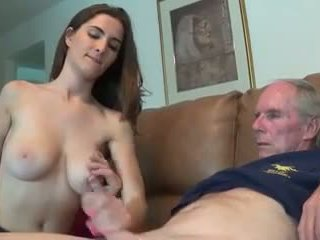 Belle salope branle sin oncle