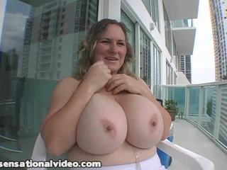 Giant Tittie MIlf Oils N Bans Her Great Boobs