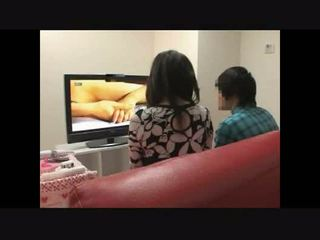 Mère et fils regarde porno ensemble expérience 4