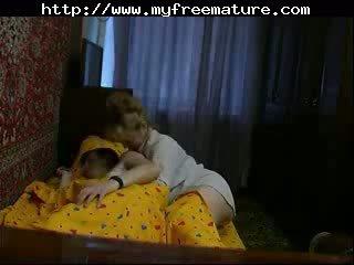 Mama di seks video di rumah