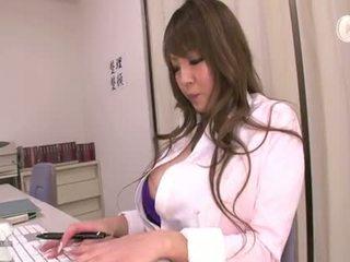 veľký, veľké prsia, sukne