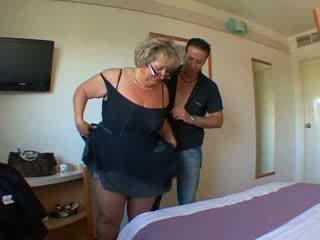 Carole французька зріла анал трахкав