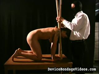 Suspended, stretched und humiliated