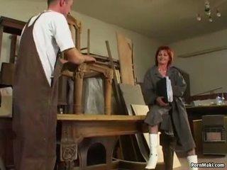 Рудоволоса бабуся loves анал