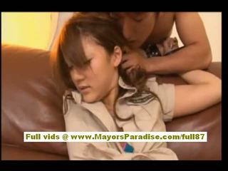 Risa tsukino azjatyckie w kelnerka uniform ssanie ogromny kutas