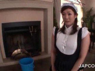 סקסי נוער אסייתי עוזרת בית getting שלה תחת משומן למעלה ב מצלמת