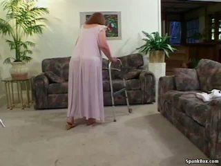 Senelė loses jos dantys o čiulpimas, porno 31