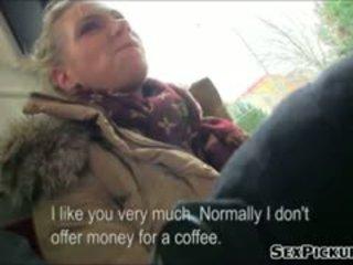Stor tuttarna euro honung adele fucks för kontanter