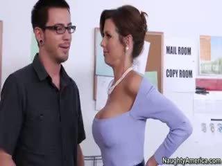 सबसे श्यामला असली, बड़े स्तन, मुख्यालय blowjob गुणवत्ता