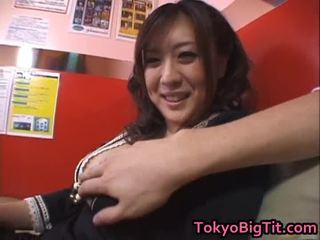 Nana aoyama engulfing dong sa coffee shop