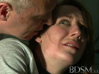 Бдсм: молодий підліток tortured по майстер біла