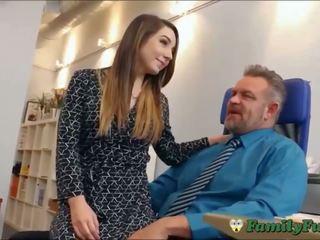 Tytär bambi brooks slutty sihteeri kokemus kanssa stepfather