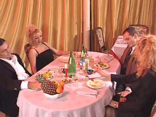 Two איטלקי אמא שאני אוהב לדפוק מזוין ב the מועדון
