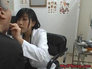 Japoneze doktori është i eksituar për kastravec