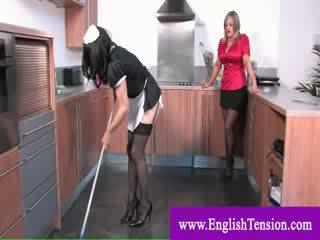 Televizor servitoare worships dominas picioare