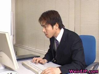 Süß asiatisch sekretärin gebohrt