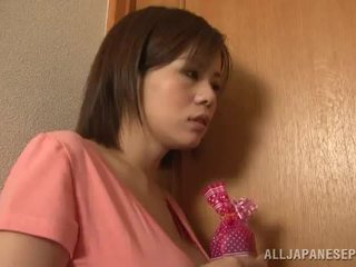 Bigtitted azijietiškas mama lets jos hubby žaisti seksas žaidimas porno žaidimas kartu arti iki jos aštrus papai