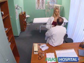Fakehospital nový sestrička takes double výstrek od nadržané doktor