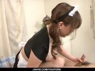 Japán takarítónő, aoi mizumori, pleases neki gazda