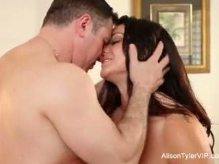 Alison tyler gets fucked lược cứng