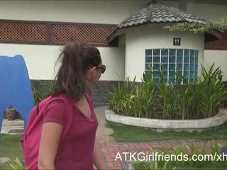 Usted corrida en esperanza howell's gafas en vacaciones en malaysia
