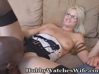 Hubby watches vrouw met zwart dekhengst