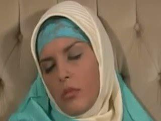 Horney arab islak gömlek