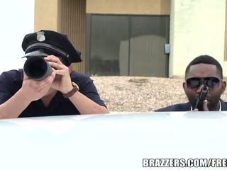 Brazzers - cảnh sát fucks bridgette b cứng